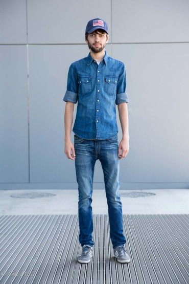 Grigori: Levis Store Manager in USA Hat