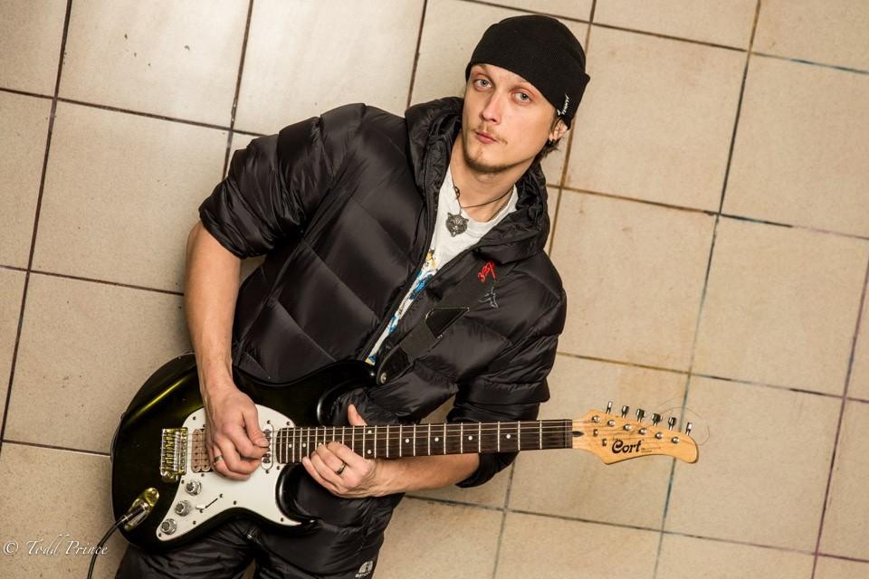Igor: Moscow Street Musician