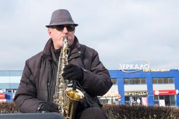 Vladimir: Retired Belarus Musician