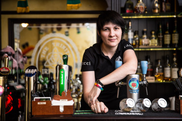 Alona: Craft Beer Bar Owner